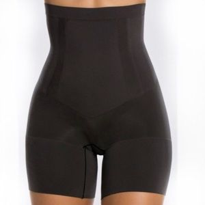 SPANX OnCore High Waist Mid Thigh Shaper! Size L.